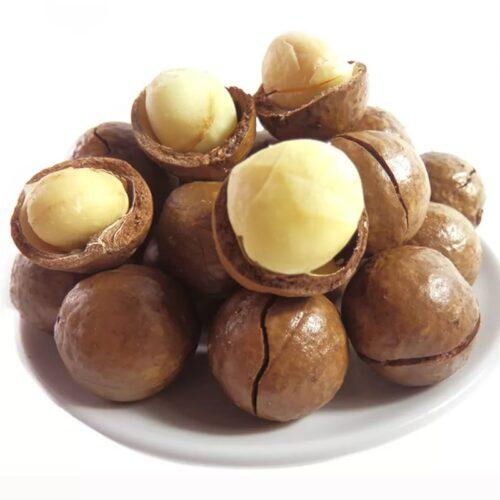 Макадамия орех в скорлупе